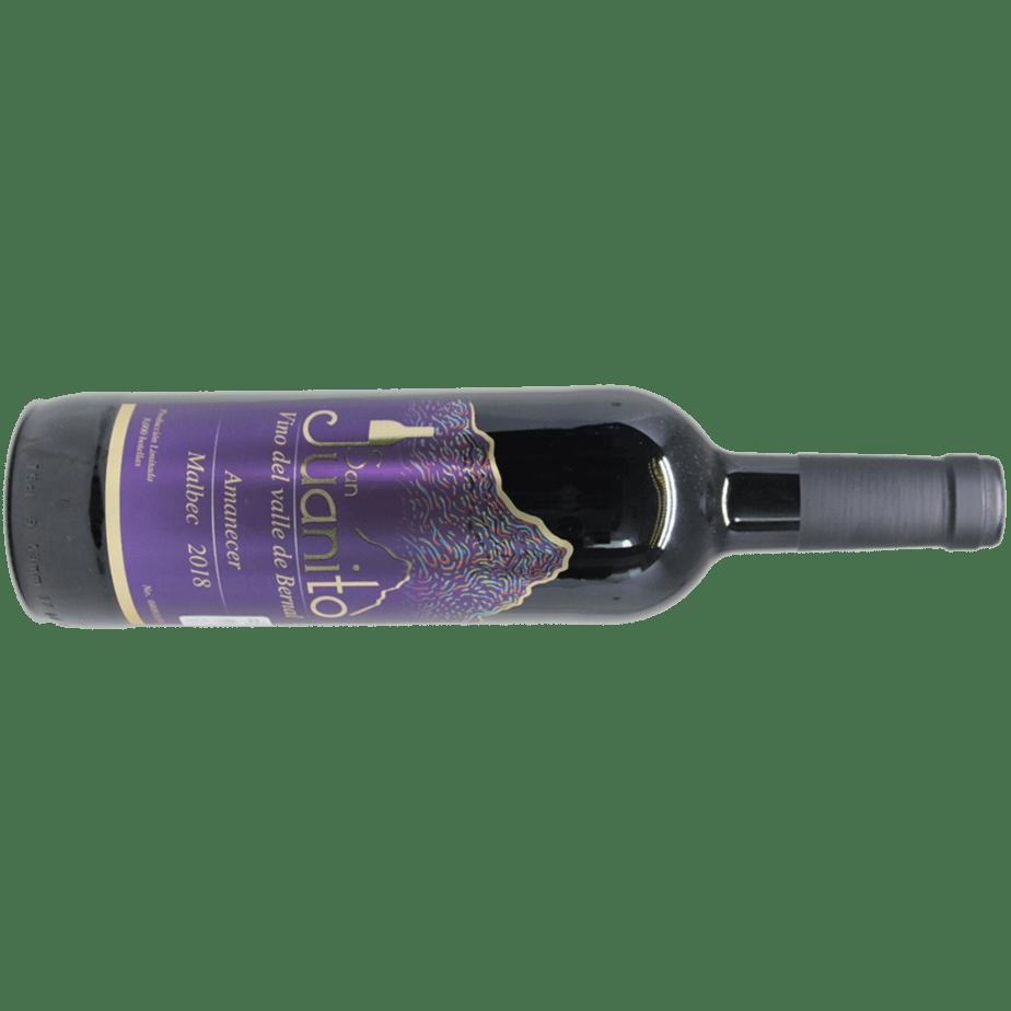 Una botella de vino tinto San Juanito Amanecer Malbec