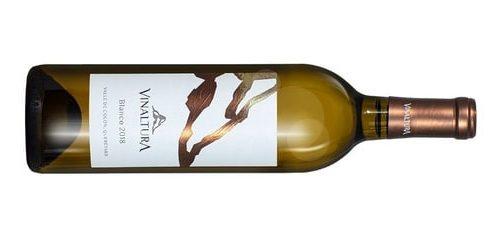 Una botella de vino blanco Vinaltura Blanco Bajío México
