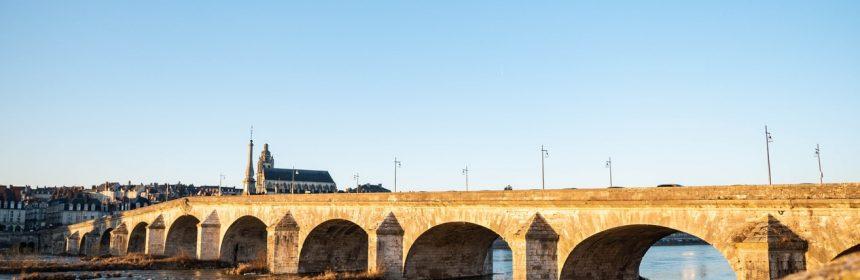POnt de la Ville de Blois en Loire