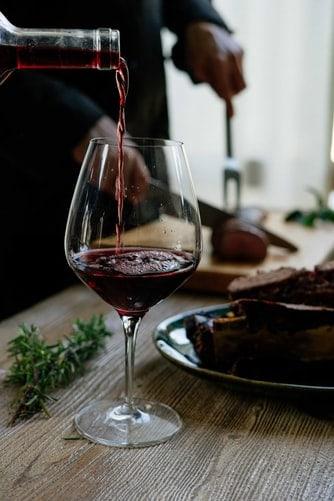Vin rouge dans un verre - Tout sur le Vin