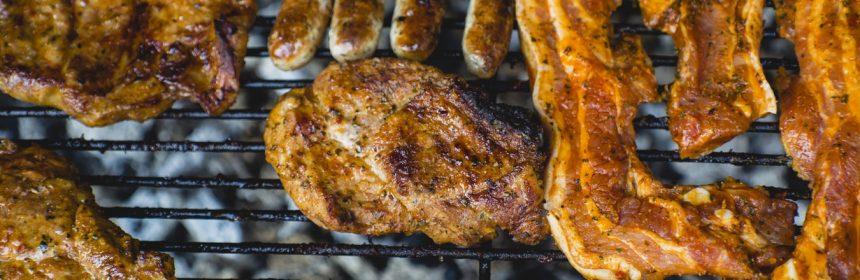 Grillades sur barbecue